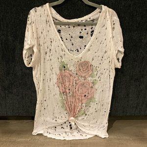 Lauren Moshi distressed tshirt size small